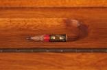 GÉNÉRATION X, détail: crayon trouvé à l'intérieur et ajouté à la déco